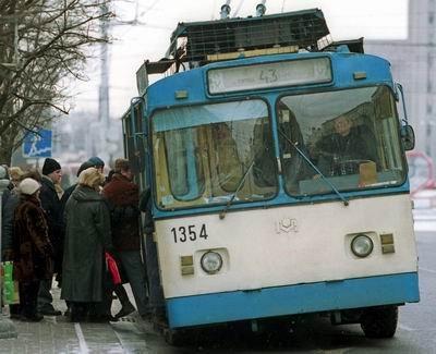 В Хмельницькому змінюються маршрути руху тролейбусів